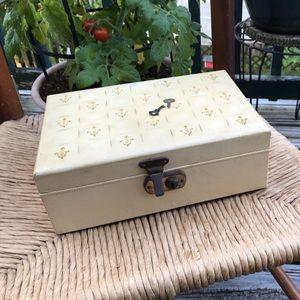Vintage Ladies Lock & Key Lined Tiered Jewelry Box